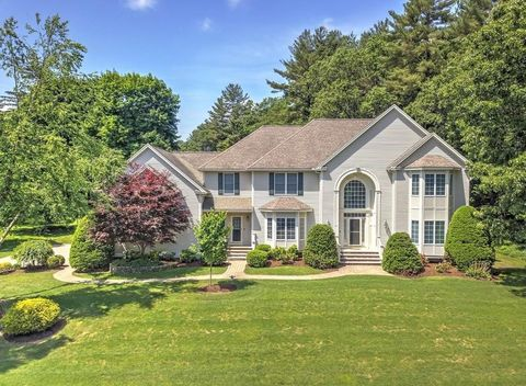 2 Meadow View Ln, Andover, MA 01810