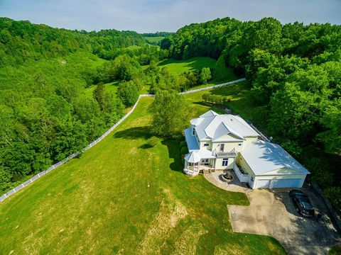 Photo of 417 Chicken Creek Rd, Frankewing, TN 38459