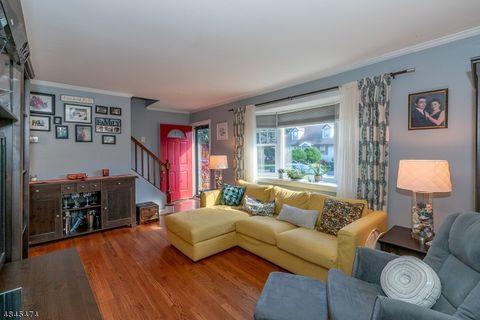 105 Colin Kelly Ct, Cranford, NJ 07016