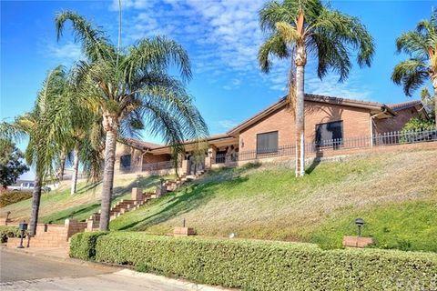 2498 Loveland Dr, Riverside, CA 92509