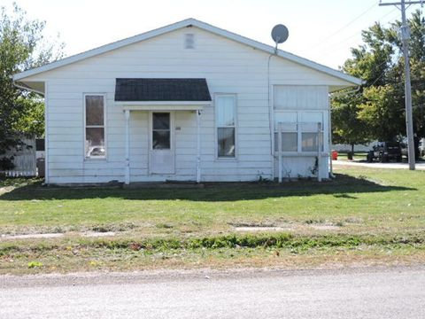 316 W Water St, Bethany, IL 61914