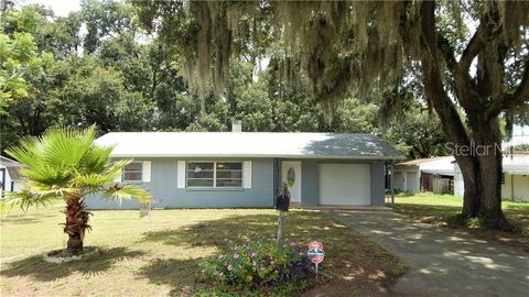 Photo of 5933 Wilson Dr, Zephyrhills, FL 33542