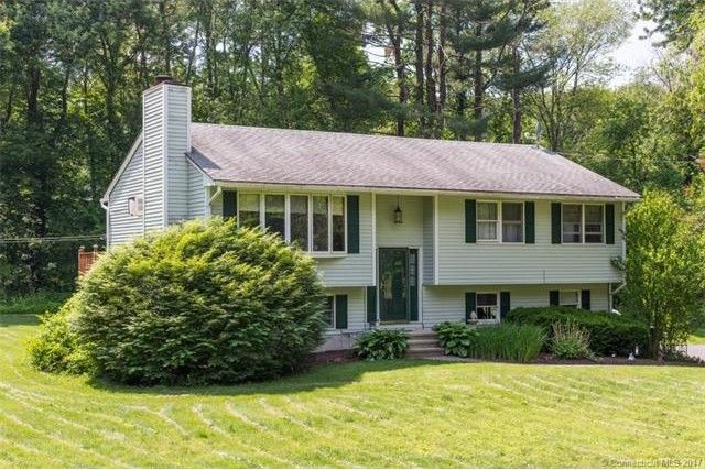 615 Long Meadow Rd, Middlebury, CT 06762
