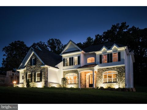 1062 Mansion Ln, Garnet Valley, PA 19060