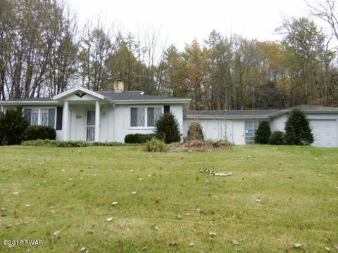 Photo of 745 Blue Shutters Rd, Moscow, PA 18444
