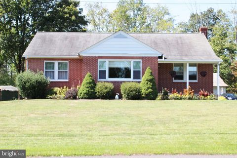 1777 Skippack Rd, Harleysville, PA 19438