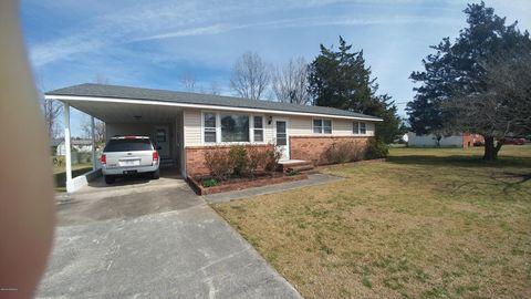 Photo of 718 W Phillips Dr, Swansboro, NC 28584