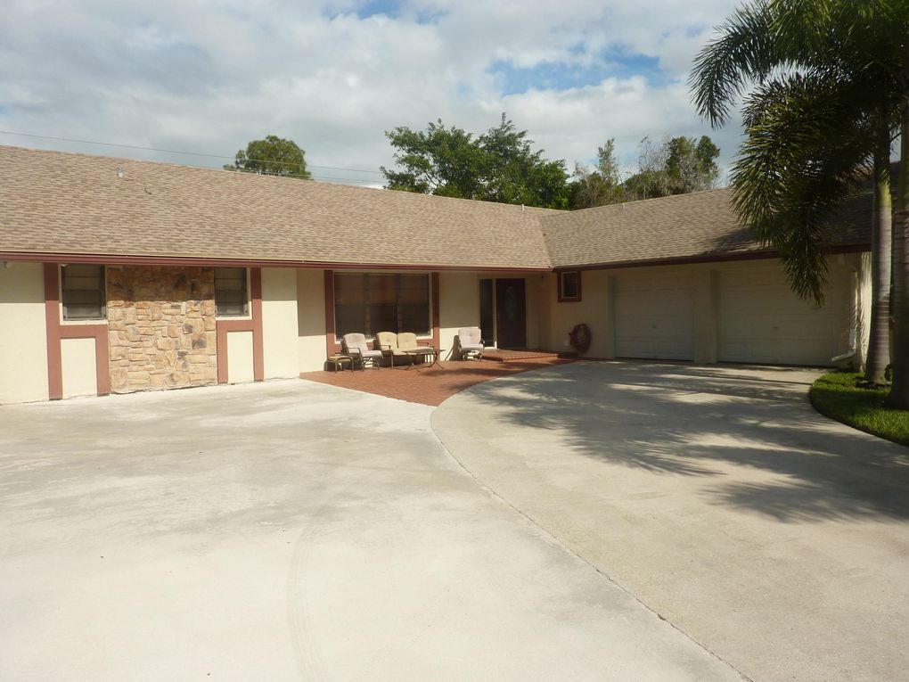 12289 Old Country Rd, Wellington, FL 33414