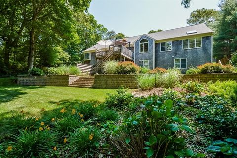 50 Fox Run Ln, East Falmouth, MA 02536