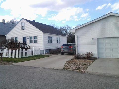 1428 N Ave, Carter Lake, IA 51510