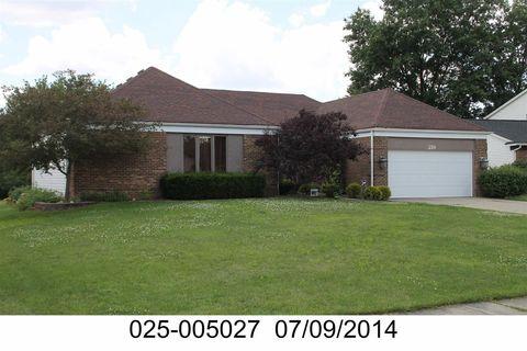 Photo of 219 Dellfield Ln, Gahanna, OH 43230