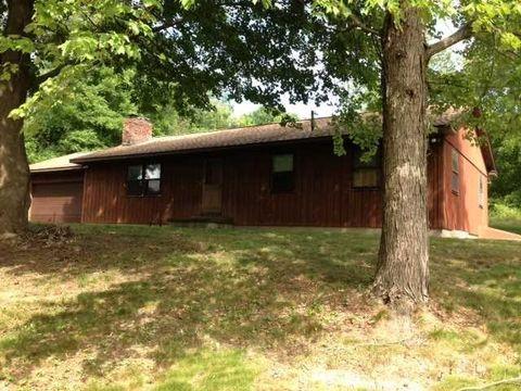 14 Red Cedar Ln, Millerton, NY 12546