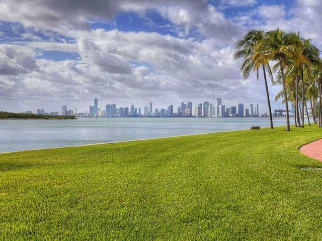 2211 Fisher Island Dr, unit 3101