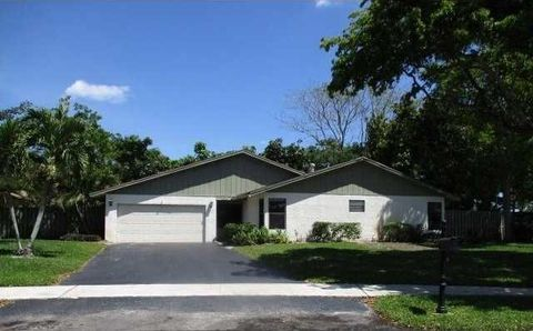 493 Sw 27th Ave, Delray Beach, FL 33445