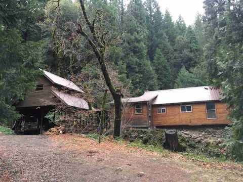 Photo of 5412 River Ave, Dunsmuir, CA 96025