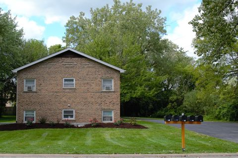 217 Kazwell St, Willow Springs, IL 60480