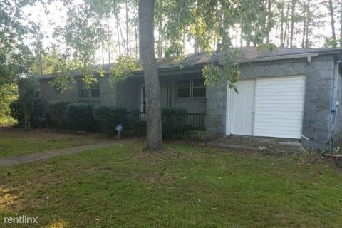Photo of 200 Hickory Forest Dr, Columbia, SC 29209