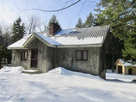 535 Lowell Lake Rd, Londonderry, VT 05148