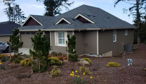 Photo of 1345 Se 41st St, Lincoln City, OR 97367