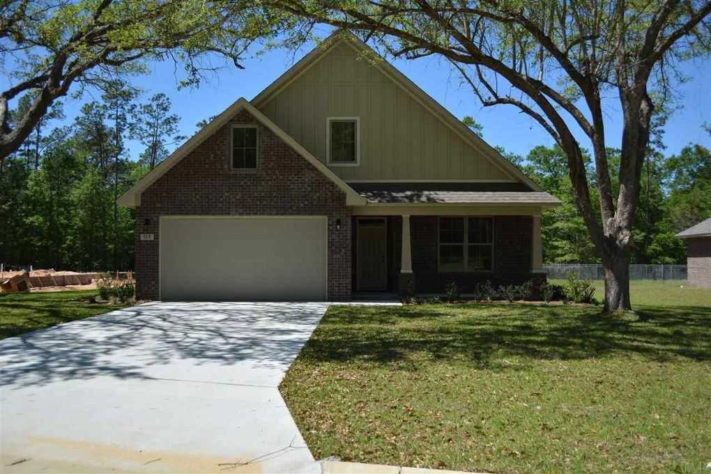 519 Upland Woods Rd, Cantonment, FL 32533