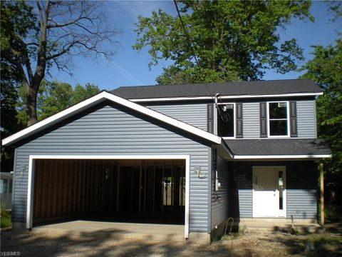 Photo of 5599 Hickory St, Mentor On The Lake, OH 44060