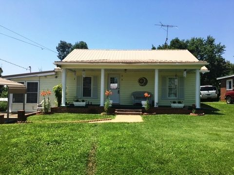 210 Red Hill Rd, Nortonville, KY 42442