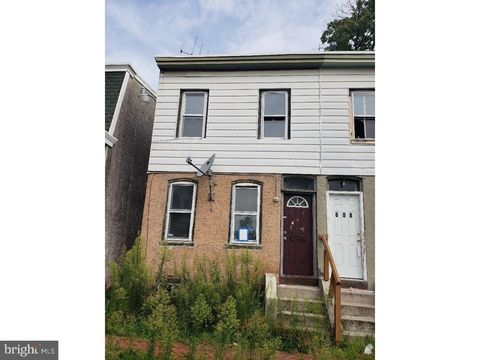 610 W 8th St, Chester, PA 19013
