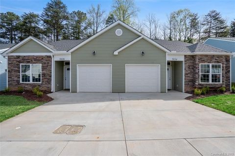 Photo of 5834 Bradford Lake Ln, Charlotte, NC 28269