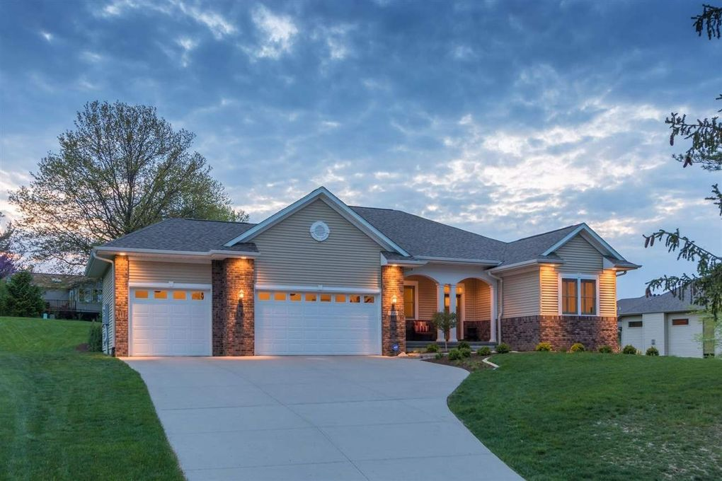 1506 Brown Deer Rd Coralville, IA 52241