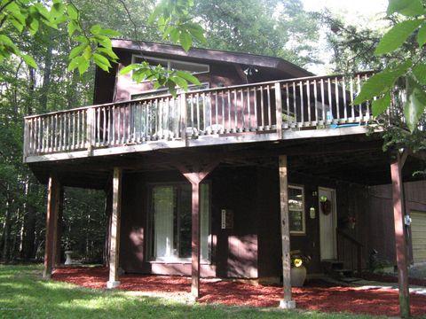 233 King Arthur Rd, Pocono Lake, PA 18347