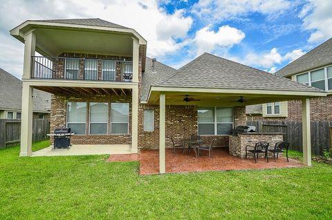 2011 Bluff Hollow Ln, Richmond, TX 77469