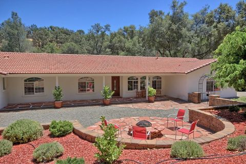 41962 Lilley Mountain Dr, Coarsegold, CA 93614