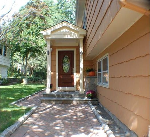 58 Warsaw St, Fairfield, CT 06825