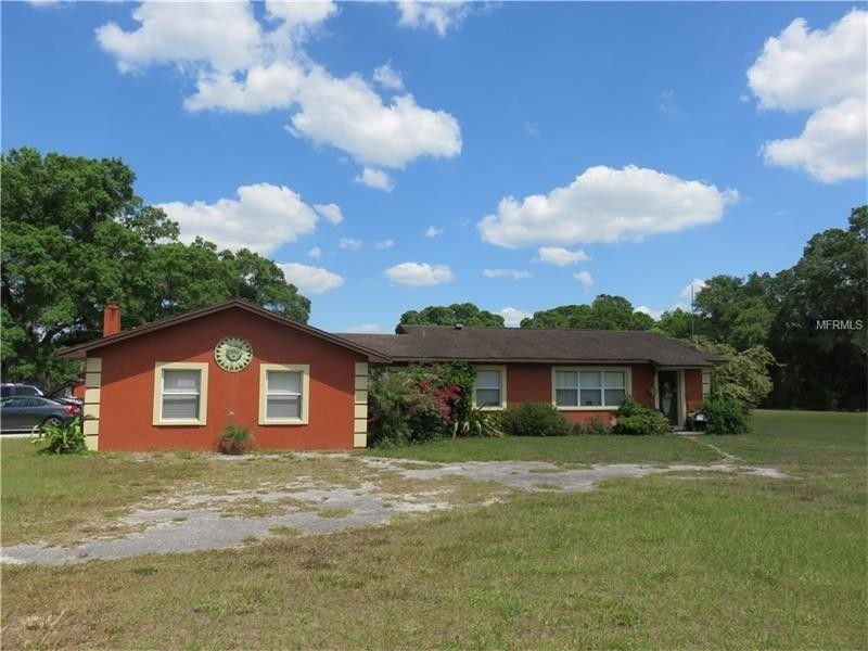 18505 Hanna Rd, Lutz, FL 33549