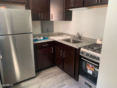 Photo of 6211 N Kenmore Ave Apt 205, Chicago, IL 60660