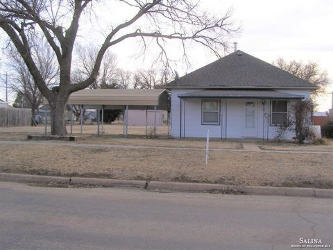 Photo of 121 S Missouri St, Kanopolis, KS 67454