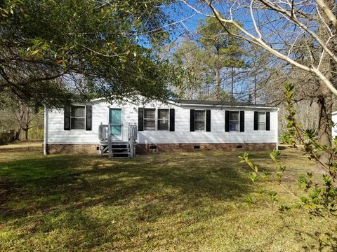 Photo of 136 Bellhammon Dr, Rocky Point, NC 28457