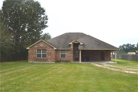 36 County Road 2208, Cleveland, TX 77327