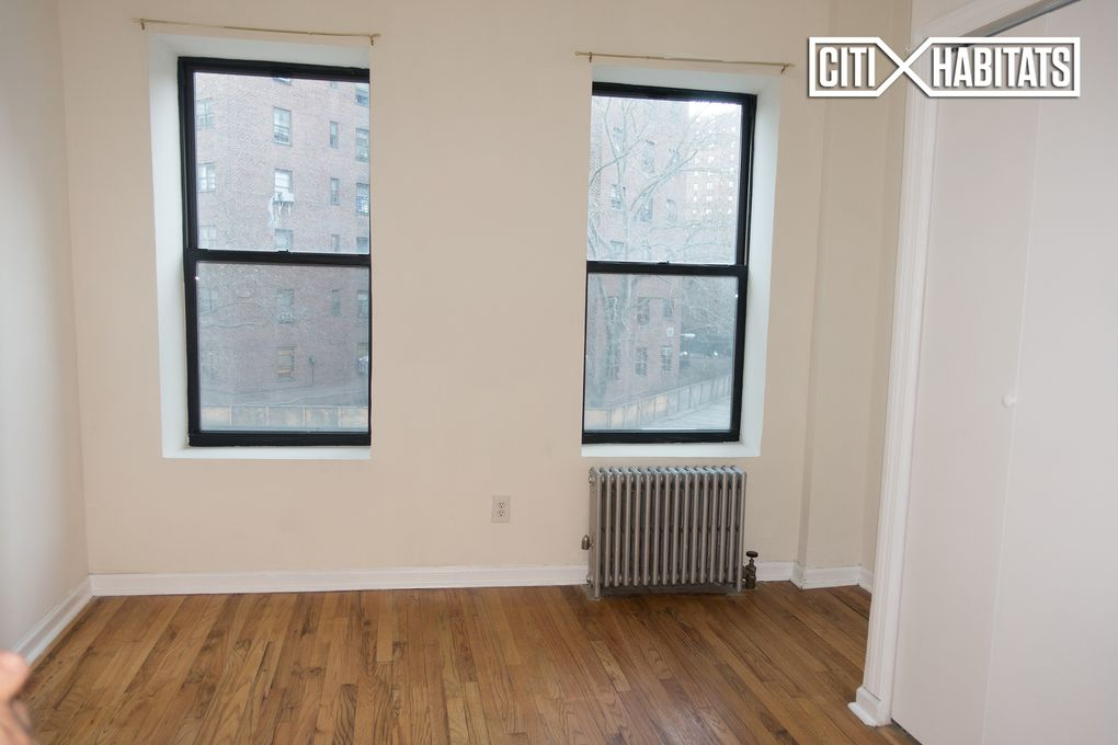 31-33 Oliver St # 4 D, New York, NY 10038