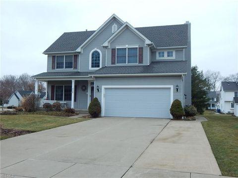 Photo of 435 Ravenglass Blvd, Amherst, OH 44001