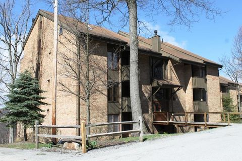 Photo of 3 B4 Mt Villas Dr, Seven Springs Resort, PA 15622