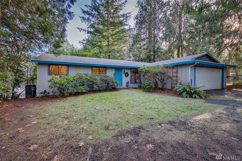 Photo of 9012 Woodbank Dr Ne, Bainbridge Island, WA 98110