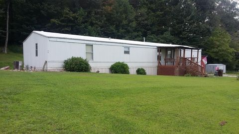 215 Calk Lake Rd Jeffersonville KY 40337