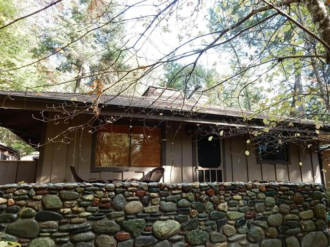 125 Tree Top Ln, Willow Creek, CA 95573