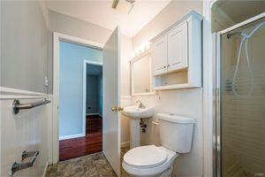 96 Stelton Rd, Xenia, OH 45385   Bathroom
