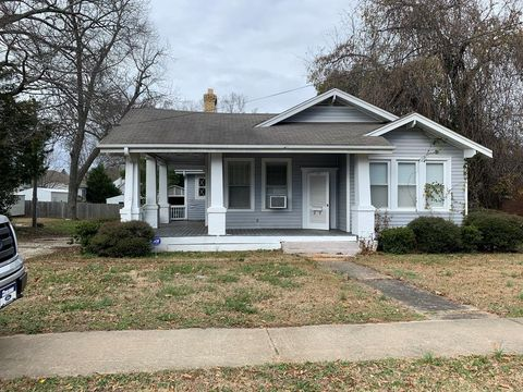 103 E Durst Ave, Greenwood, SC 29649