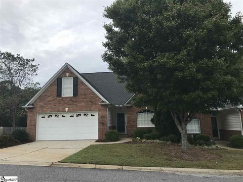 Photo of 801 Woodsford Dr, Greenville, SC 29615