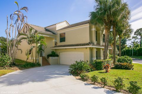 Photo of 2468 Treasure Isle Dr, Palm Beach Gardens, FL 33410