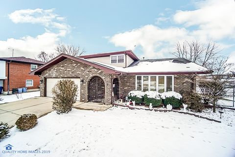 Photo of 8541 S 83rd Ave, Hickory Hills, IL 60457
