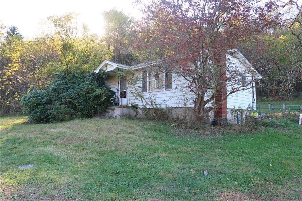 1215 Stoney Ln Hempfield Township, PA 15601